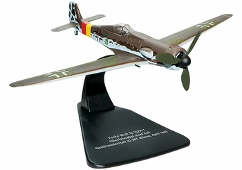 Ta 152 Model, Luftwaffe, JG 301, Josef Keil - Oxford Diecast AC028 - click to enlarge