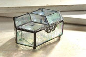 J Devlin Art Glass Box Clear Iridized Hex