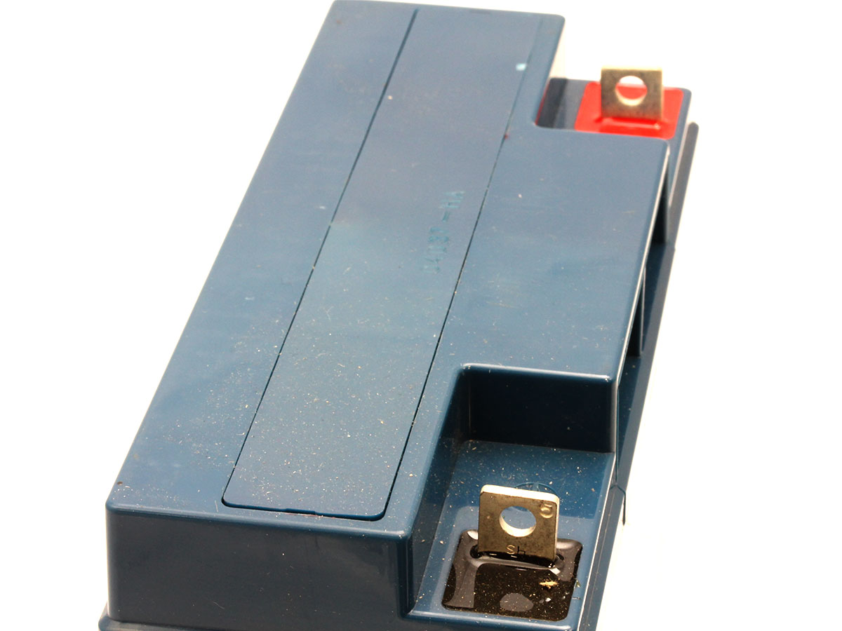 Image of the battery terminals for the Powersonic PS-12200 lead acid battery
