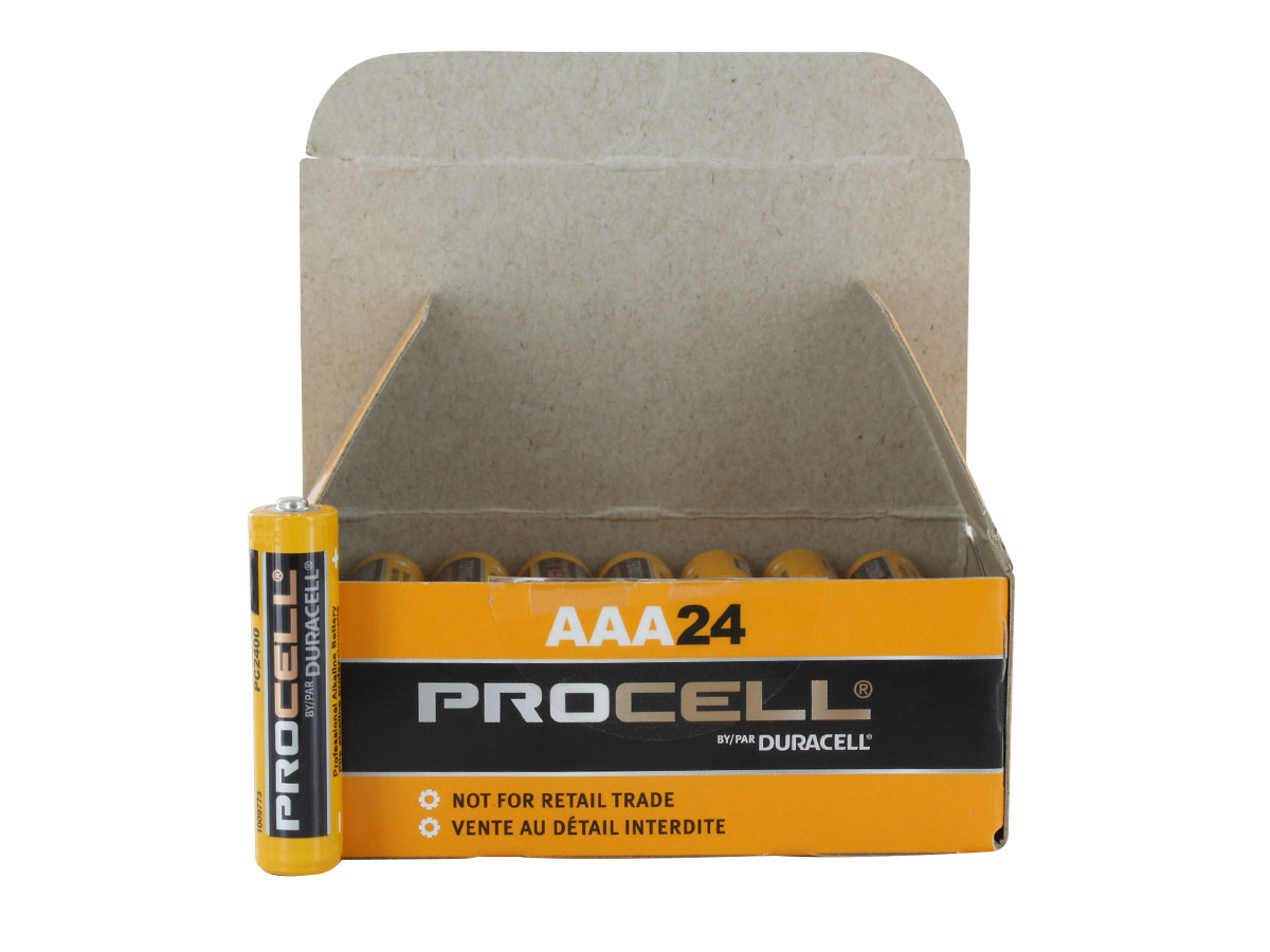 Size comparison between single Duracell Procell AAA batteries