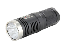 Sunwayman D40A Compact Thrower Flashlight - CREE XM-L2 T6 LED - 980 Lumens - Uses 4 x AAs