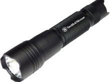 Smith and Wesson SW11 USB Rechargeable LED Flashlight - CREE LED - 800 Lumens - Uses 2 x CR123 or 1 x 18650 (Included)