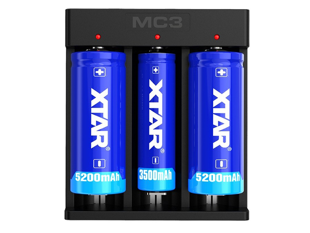 Xtar MC3 front view with batteries