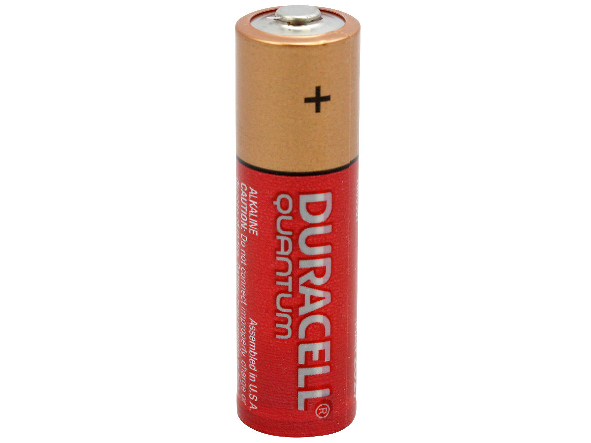 Standing Shot of the Duracell Quantum QU1500 AA Battery
