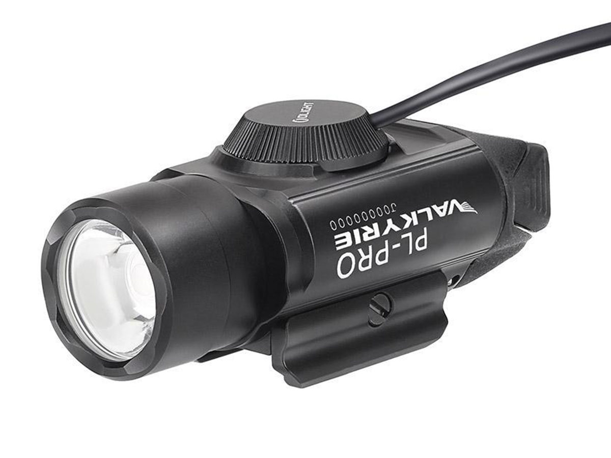 Olight PL PRO black connected to the olight rpl-7 remote pressure switch