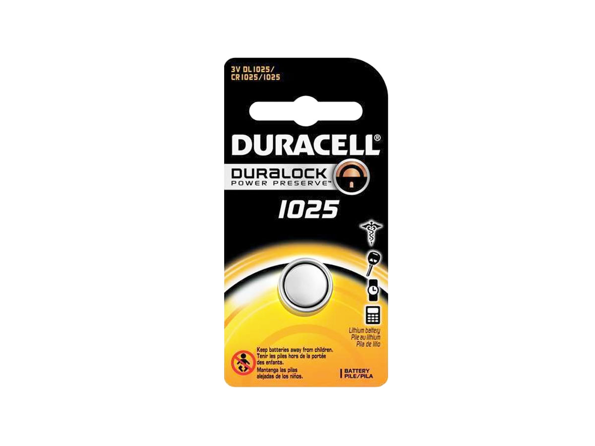 Duracell CR1025 coin cell in retail card