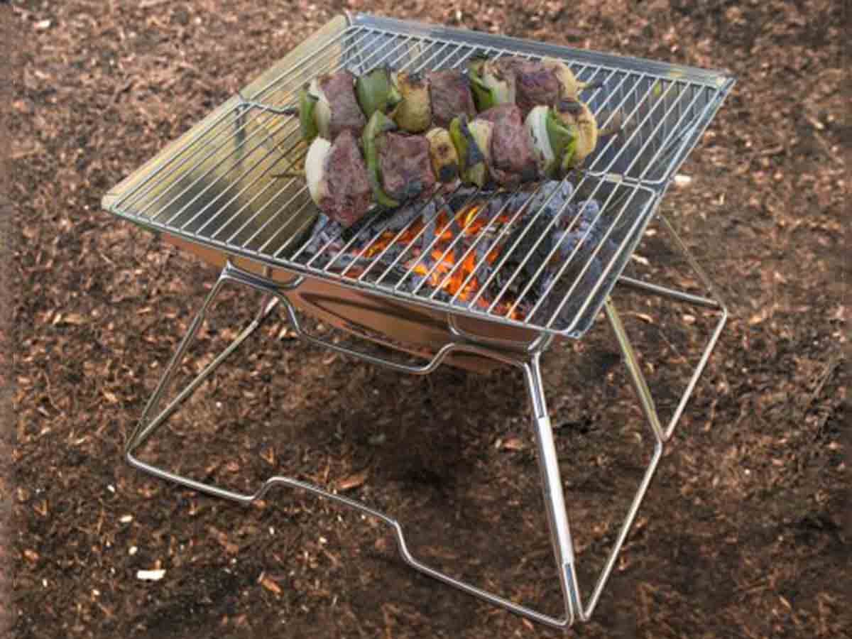 UST Pack a long Grill outside