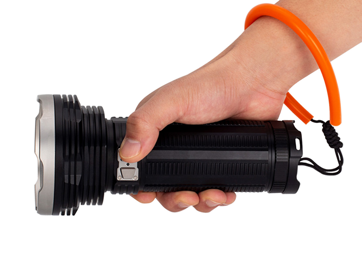 FENIX ALL-01 IN USE WITH FLASHLIGHT