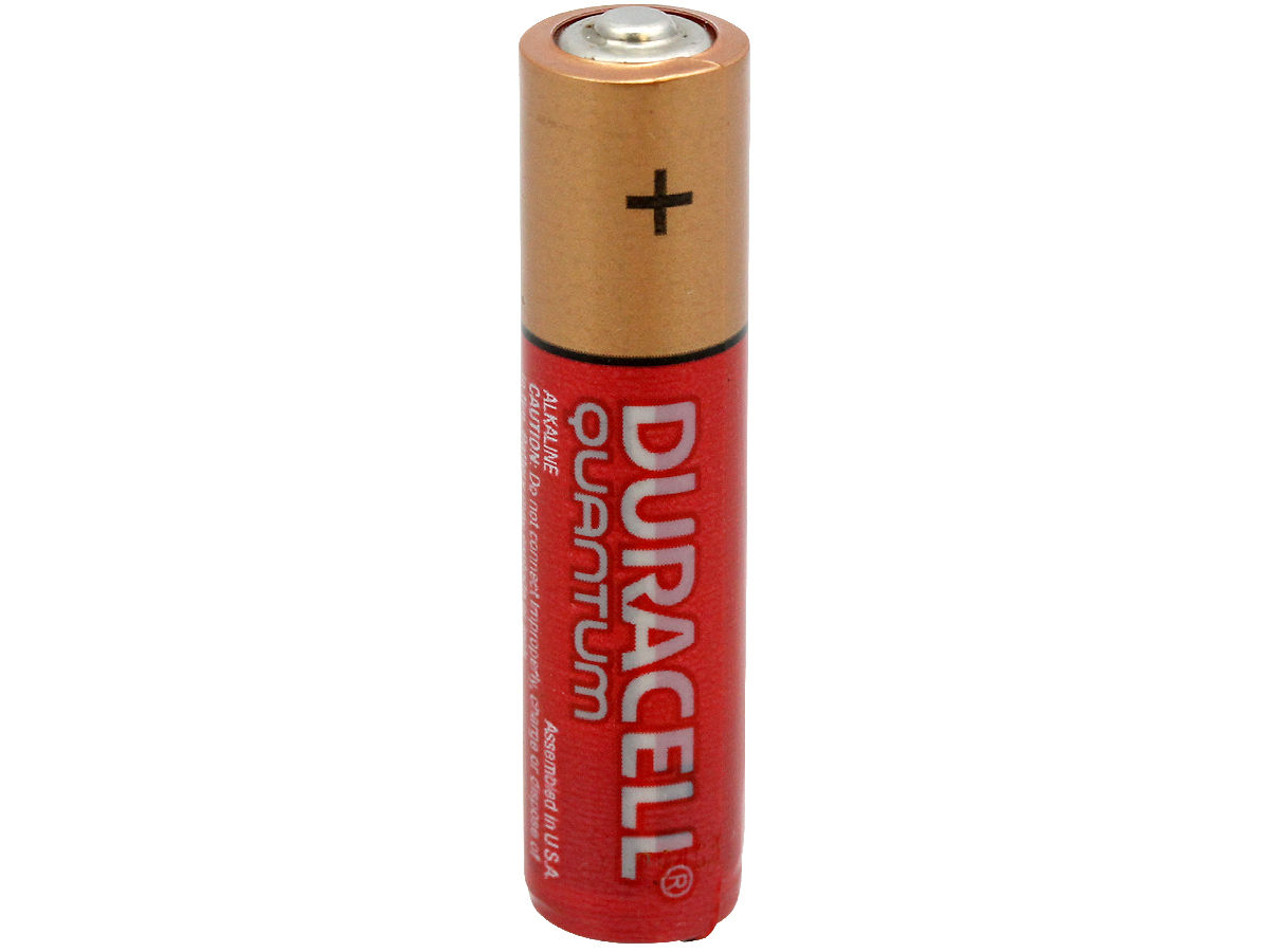 Standing view of a Duracell Quantum AAA battery