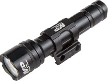 Smith&Wesson Delta Force RM-20 110044 LED Weapon Light with Remote Switch - Picatinny Rail - CREE XP-L V6 LED - 900 Lumens - Includes 2 x CR123A