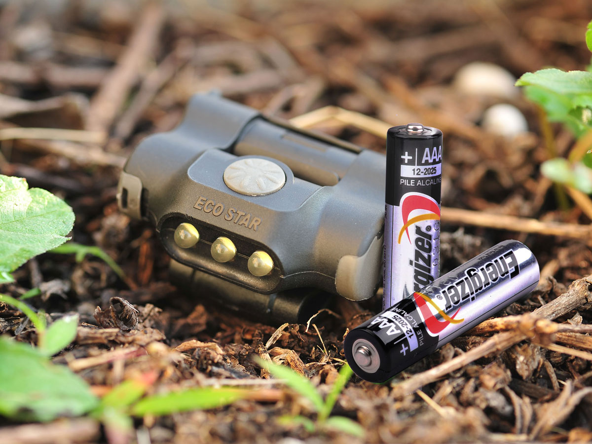 Nextorch UL10 Clip Light with Batteries