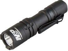 Smith and Wesson Delta Force CS-10 LED Flashlight - CREE XBH LED - 130 Lumens - Includes 1 x AA (110146)