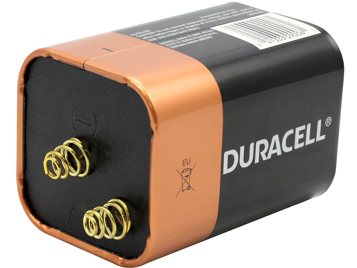 Duracell Coopertop Alkaline Lantern Battery side angle