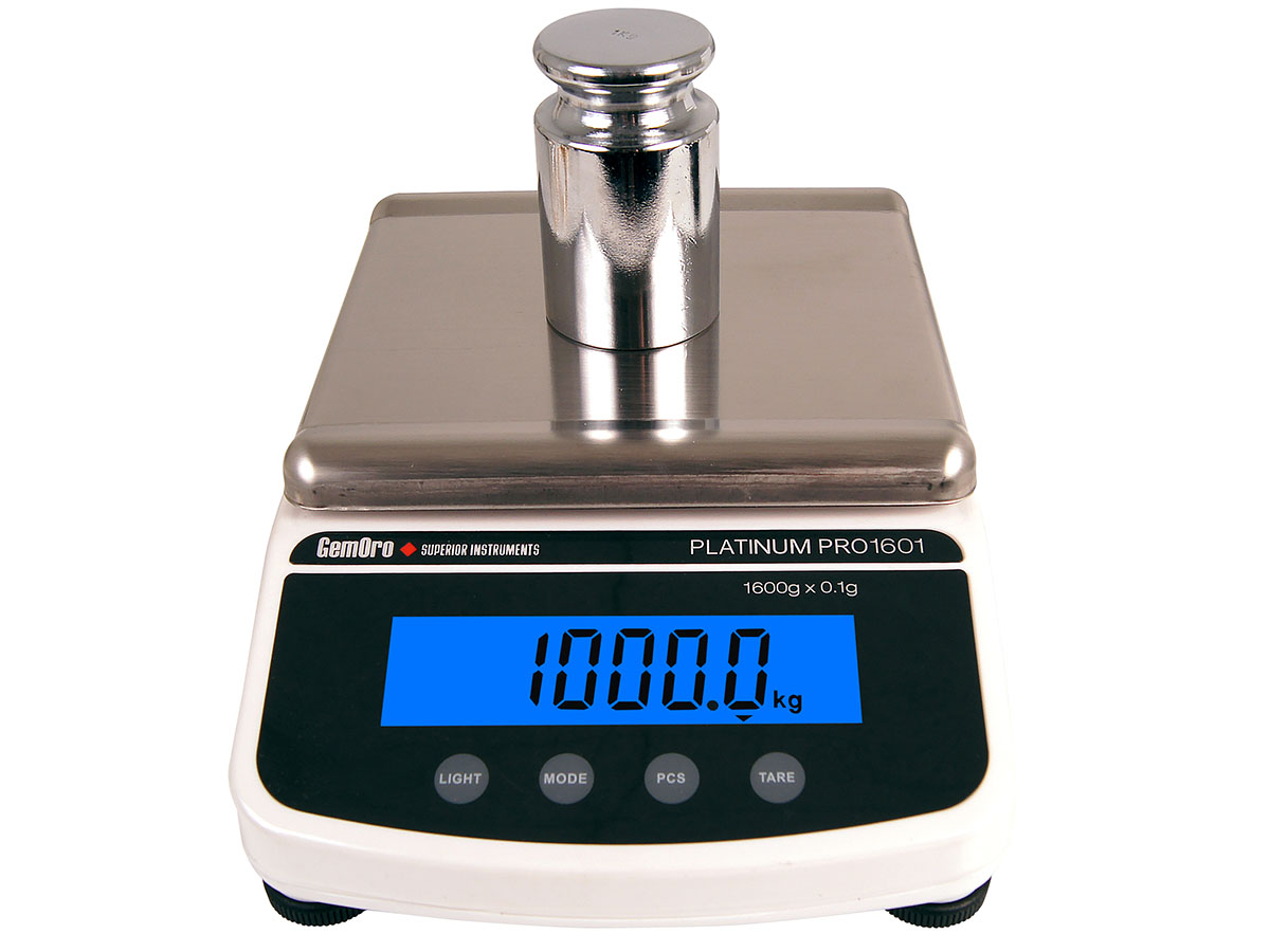 GemOro Platinum PRO1601 Digital Countertop Scale front view in use