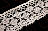 "2 1/2"" White Vintage Lace Trim #1105"
