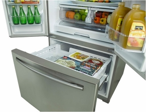 RF260BEAEWW Samsung 25.5 cu. ft. French Door Refrigerator with Filtered Ice Maker - White
