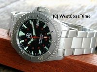 O & W Cougar bead blasted dive watch 200 m