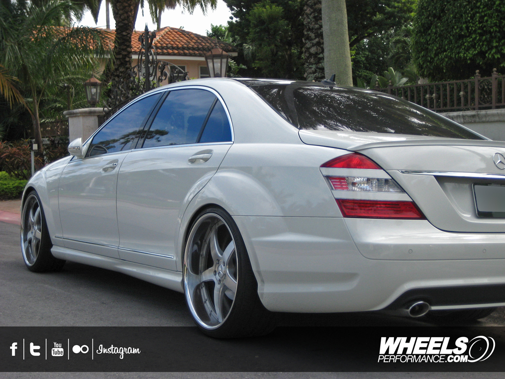 "OUR CLIENT'S MERCEDES S550 WITH 22"" 360 FORGED STRAIGHT FIVE WHEELS"