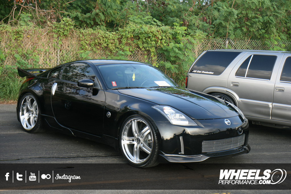 "OUR CLIENT'S NISSAN 350Z WITH 22"" VOSSEN VVS-078 WHEELS"