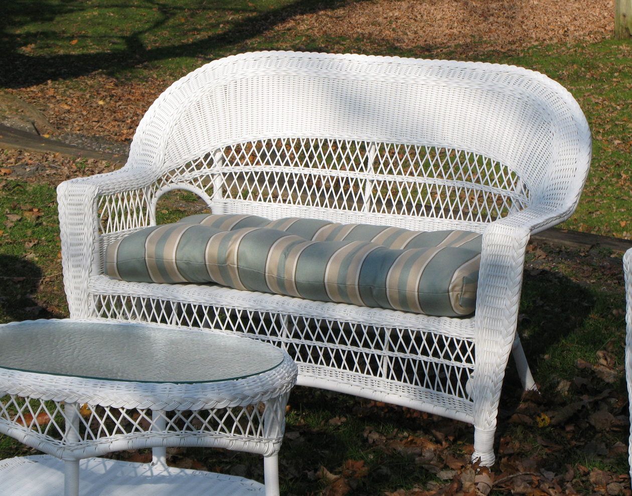 Outdoor Wicker Loveseat Cape Cod