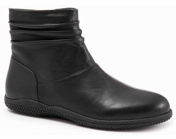 SoftWalk Hanover - Women's Boot