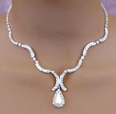 LOOKING GOOD RHINESTONE-PEARL WEDDING JEWELRY SET