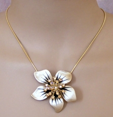 FLOWER FIX TOPAZ NECKLACE -SOLDXX