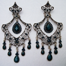 MONTEZUMA DARK GREEN EARRINGS - ONE PAIR REMAINING