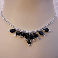 CLUSTER BEAUTY BLACK RINESTONE JEWELRY SET
