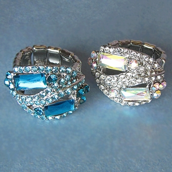 MANHATTAN ELASTIC <br>COSTUME JEWELRY RHINESTONE RING - SOLD OUT