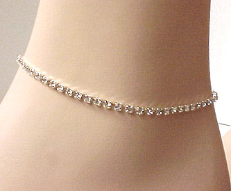 SULTRY SILVER SINGLE-STRAND CRYSTAL ANKLET