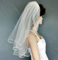 CUTE LOOPS WEDDING VEIL