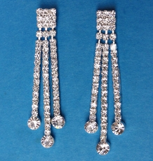 TAYLORED RHINESTONE EARRINGS