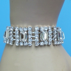 DON'T FENCE ME IN CLEAR-SILVER RHINESTONE BRACELET