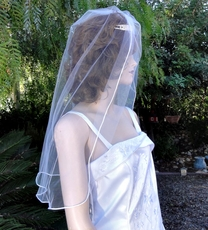 DUCHESS SINGLE TIER VEIL - ONE WHITE REMAINING