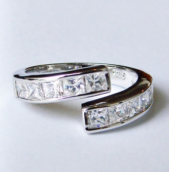 WEAVE AROUND CZ RING<br>size 6, size 8