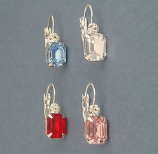 RIGHT TOUCH CRYSTAL EARRINGS