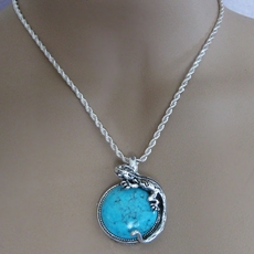 VINTAGE LIZARD ON A ROCK PENDANT SILVER NECKLACE - ONLY ONE AVAILABLE