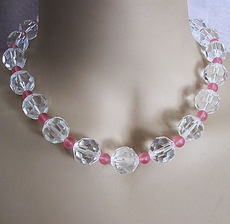 VINTAGE CLEAR AND PINK BEADED NECKLACE