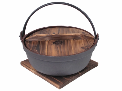 9-1/2 Inch Cast Iron Nabe with Trivet