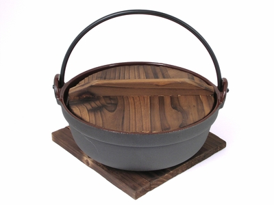 8-1/2 Inch Cast Iron Nabe with Trivet