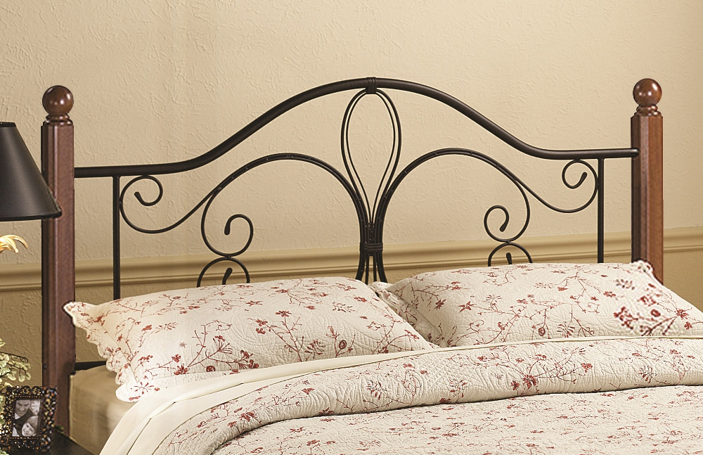 Hillsdale Milwaukee Wood Post Bed In Textured Black/ Cherry Twin