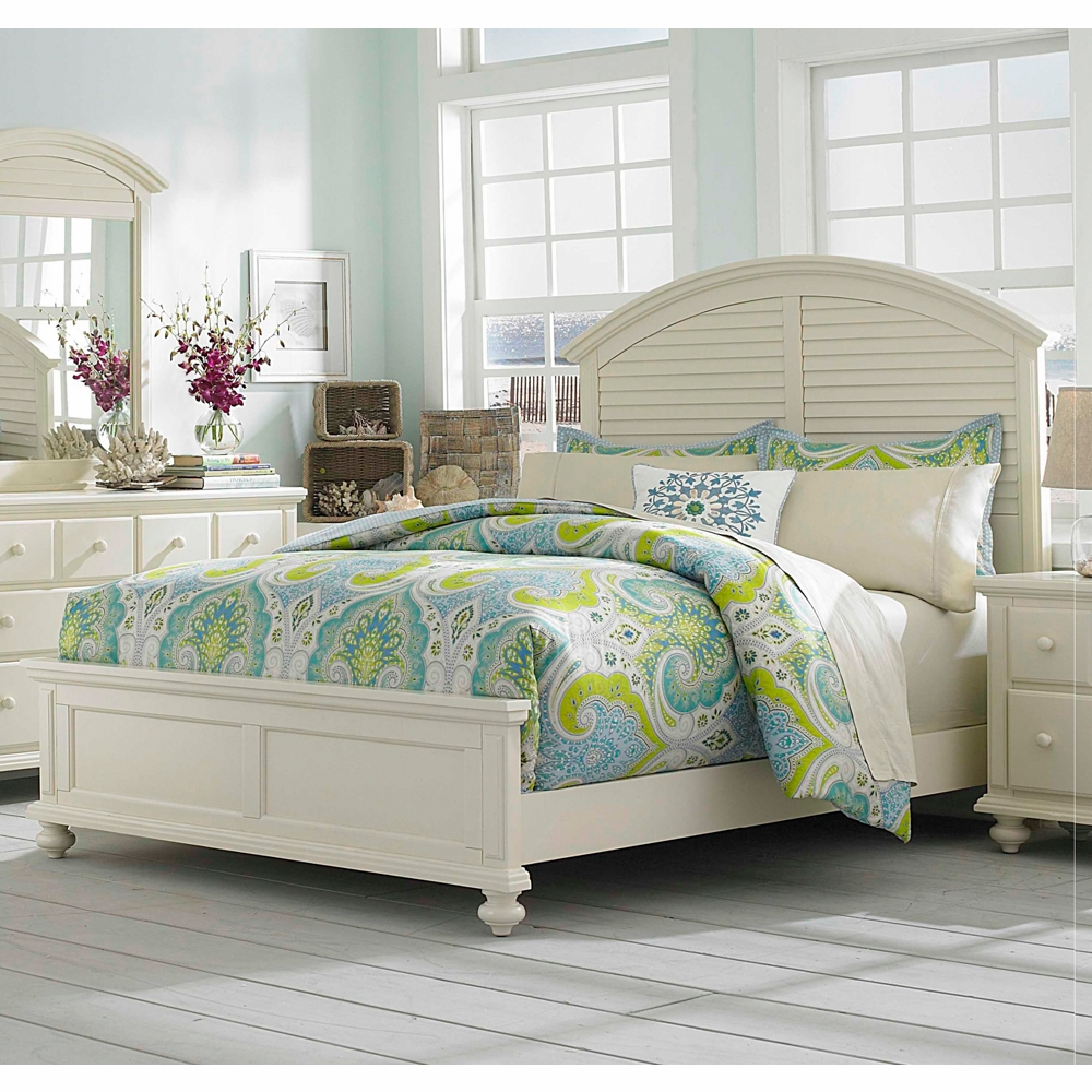 Broyhill Seabrooke Queen Panel Bed