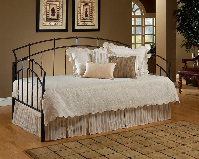 Hillsdale Vancouver Daybed With Mattress Support System A...