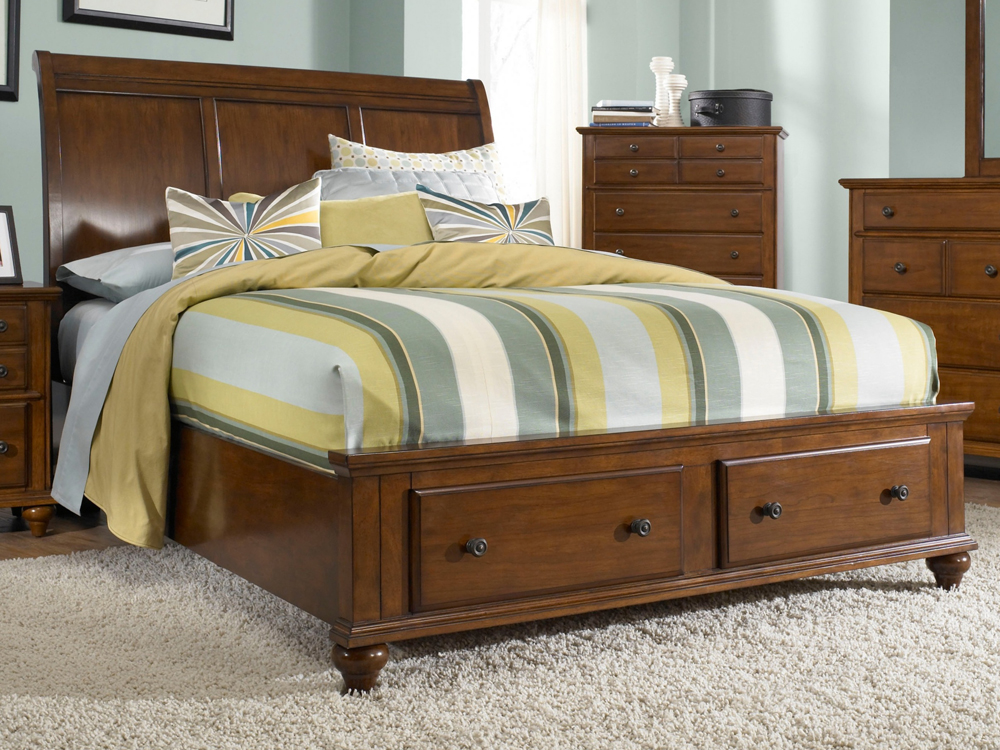 Broyhill Hayden Place King Sleigh Bed With Storage Footboard In Light Cherry