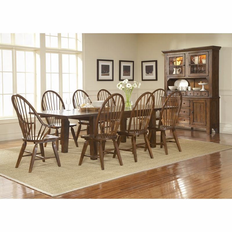 Broyhill Attic Heirlooms Rustic Oak Finish Dining Room Set L
