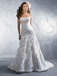 Dramatic Strapless Wedding Bridal Dress Alfred Angelo 2173