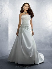 Sleek Strapless Wedding Bridal Dress Alfred Angelo 2184