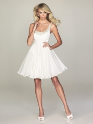 Short Semi Formal Dresses Let You Dance the Night Away