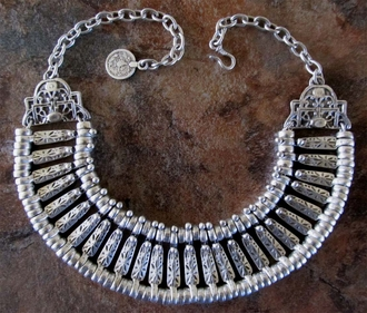 6729 Necklace